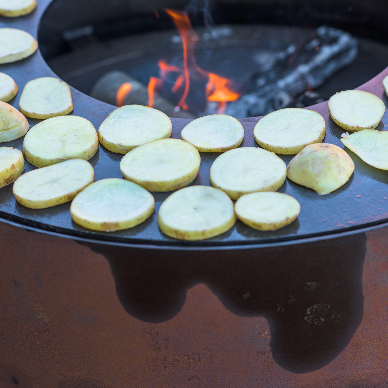 Hohe Feuerstelle 'Eldur Garden Fire Pro'