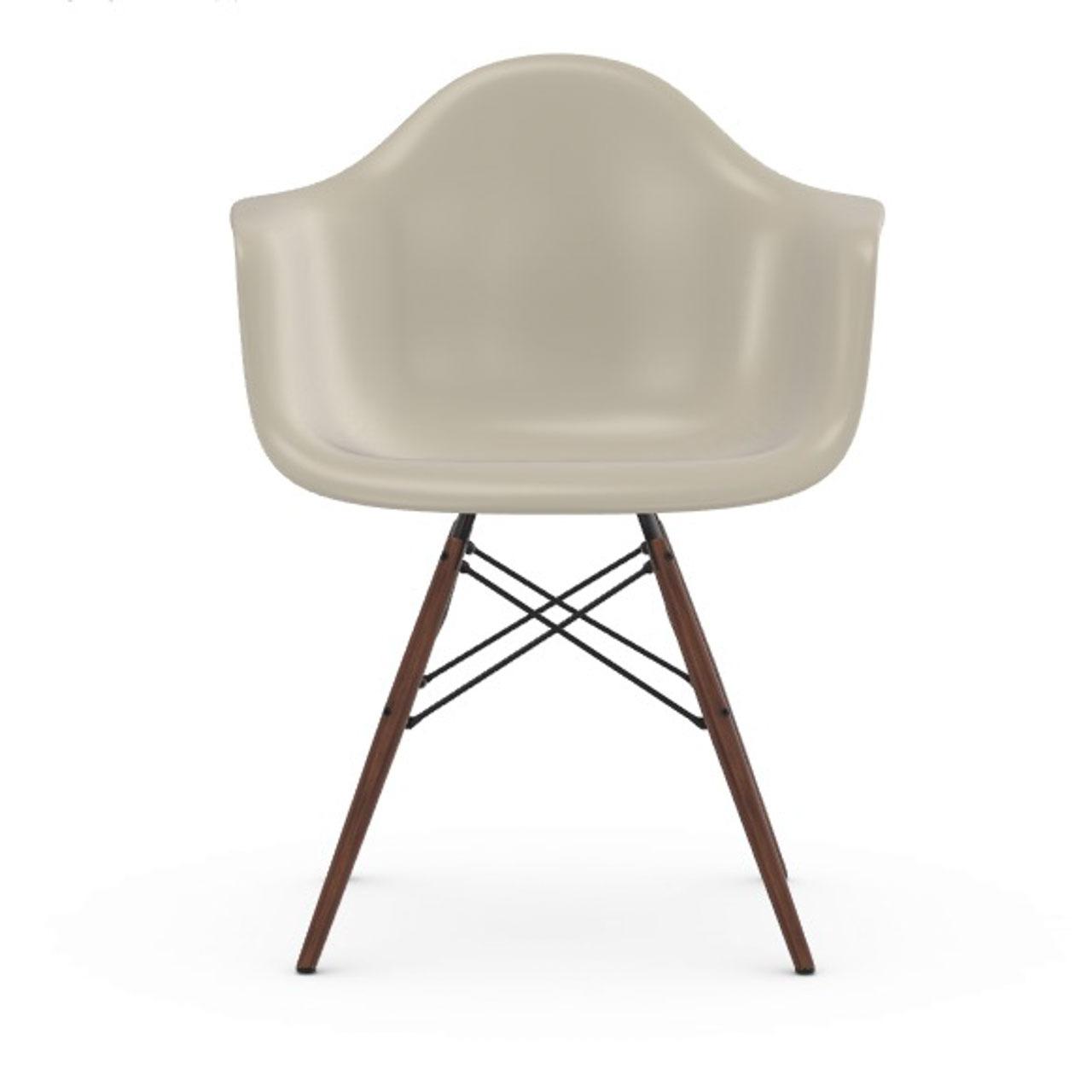 Vitra Eames Plastic Armchair DAW ohne Polster  Holzuntergestell Ahorn dunkel / 95,  Kieselstein / 11,  Schwarzer Gleiter für Hartböden