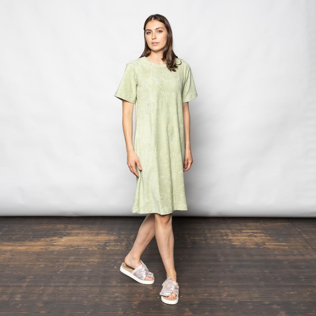 Grünes Frottee-Kleid von 'Anja Sun Suko'