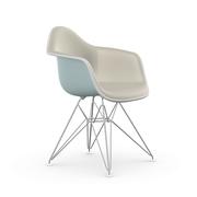 Eames Plastic Armchair 'DAR' mit Vollpolster