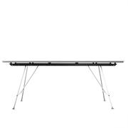 Tisch von 'Atelier Alinea' mit Linoleum