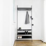 Garderobe 'String' in Schwarz