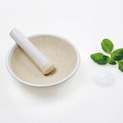 Salz- und Kräutermörser aus Keramik