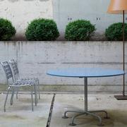 Klassisch runder Gartentisch