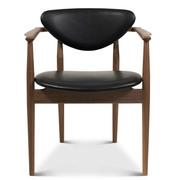 '109 Chair' in Leder