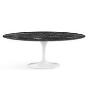 Ovaler Saarinen-Tisch