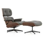 'Eames' Lounge Chair mit Ottoman in Nussbaum schwarz pigmentiert