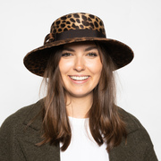 Handgefertigter Hut mit Animalprint