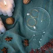 Grosse Ohrringe mit Süsswasserperle von 'Yoshiki'